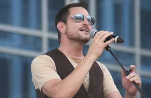 Ty Herndon sings a song